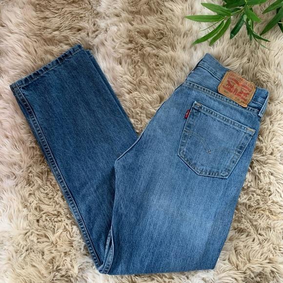 LEVI's, 505 Medium Wash Straight Cut Jeans